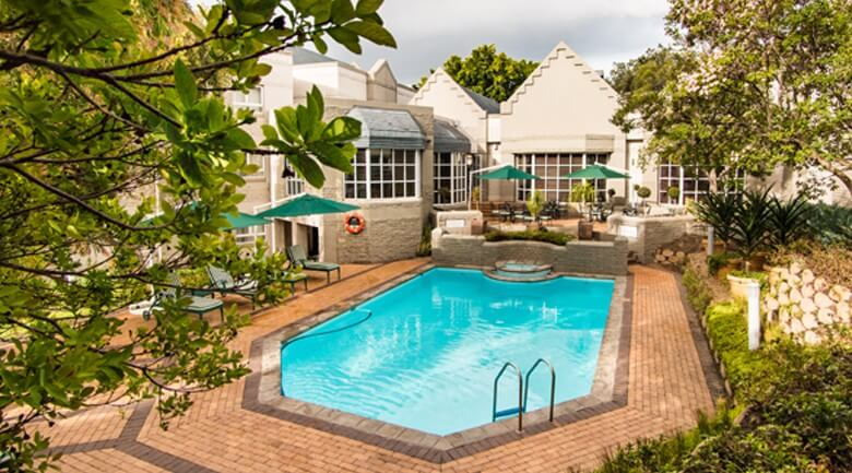 City Lodge Hotel Pinelands swimming pool