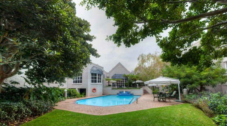 City Lodge Hotel Sandton Morningside pool