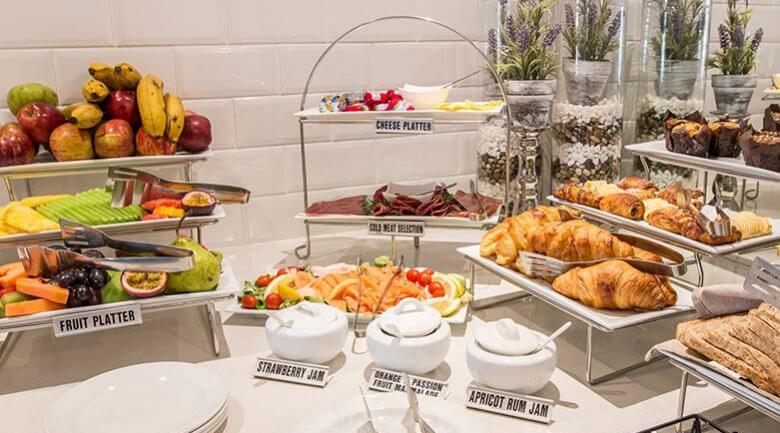 Courtyard Hotel Eastgate Breakfast in Johannesburg