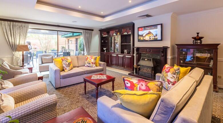Courtyard Hotel Rosebank Guest Lounge