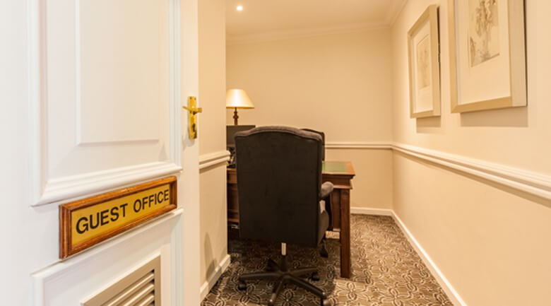 Courtyard Hotel Rosebank Guest office