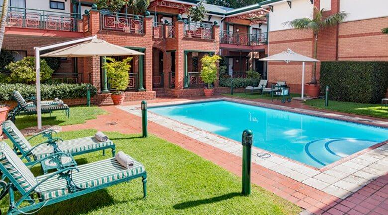 Courtyard Hotel Rosebank guest swimming pool