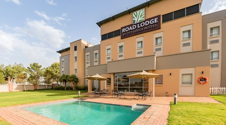 Road Lodge Bloemfontein Airport Pool area