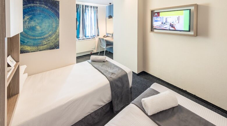 Road lodge Isando Hotel bedroom