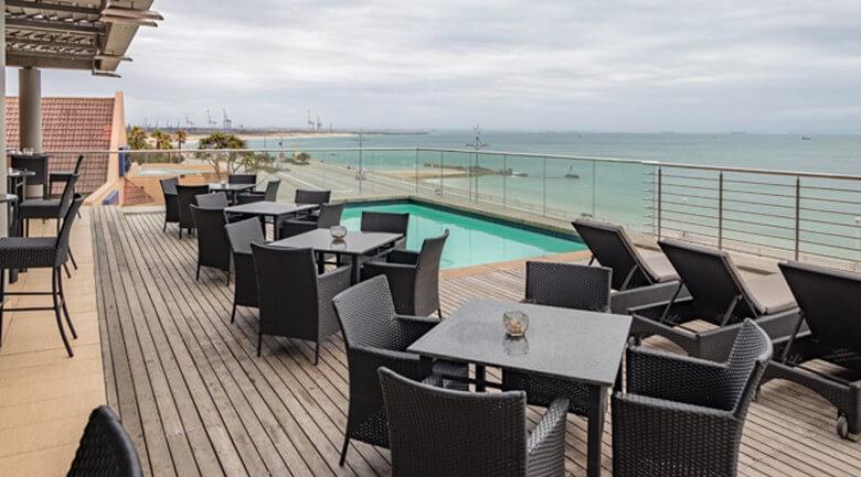 Tow Lodge Port Elizabeth pool deck