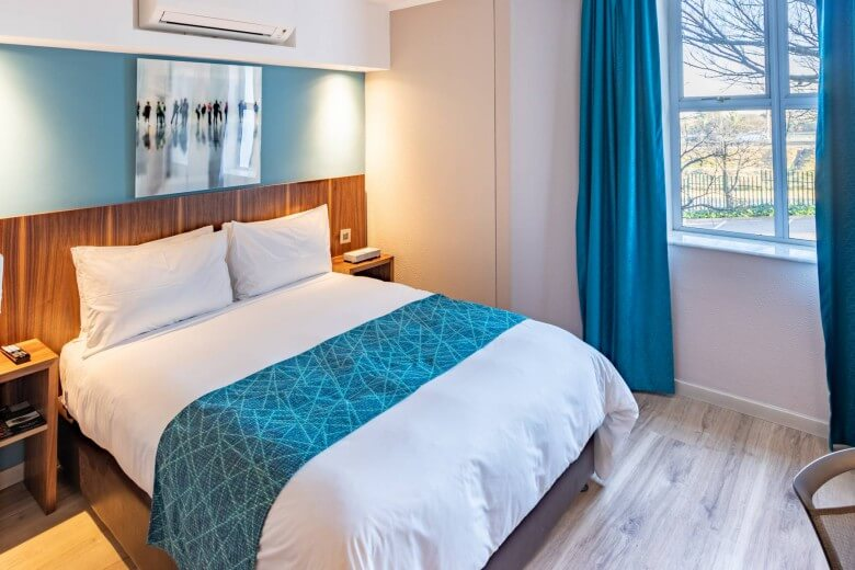 Town Lodge Airport JNB bedroom