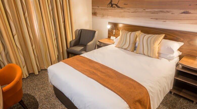 Town Lodge Windhoek bedroom